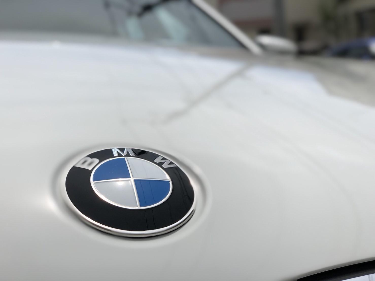BMW純正コーティングと専門店ガラスコーティングの比較:ガラスコーティングがおすすめの人は?